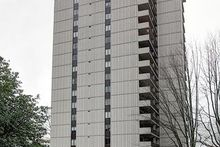 Lincoln_tower_photo_cropped_2x