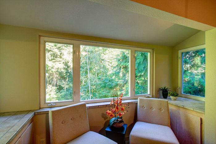 Sunbay in master bedroom