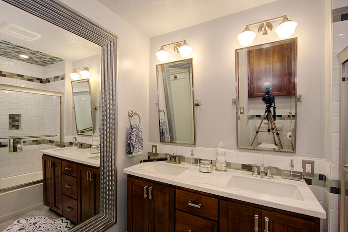Main Bathroom, Fully Remodeled with Marble Counter