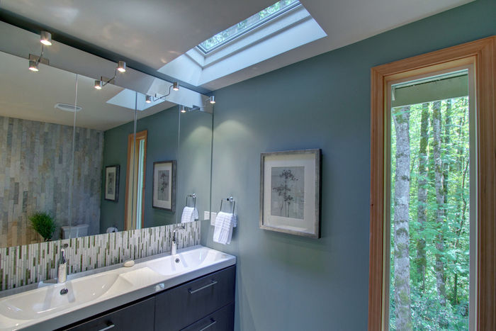 Master Bathroom with Skylight & Premier Finishes