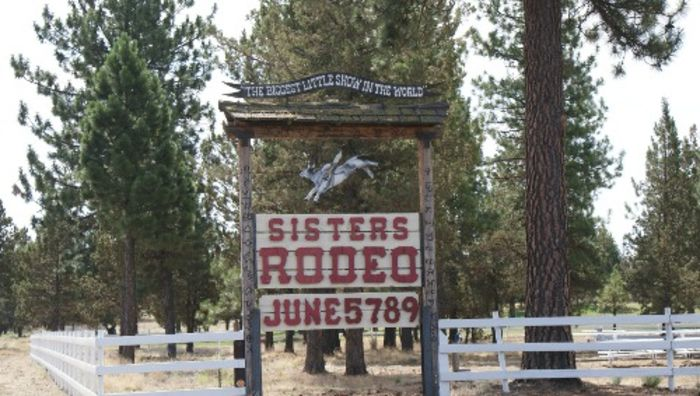 Sisters Rodeo sign