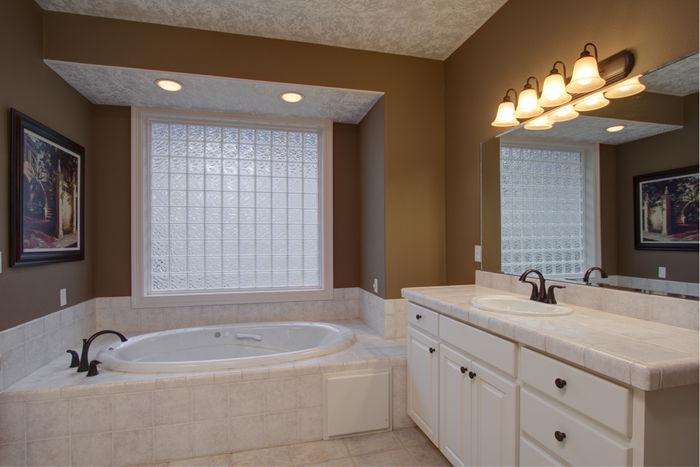 Master bathroom with 2 separate vanities